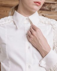 ms-lookbook-glam-white-ruffle-shirt-detail